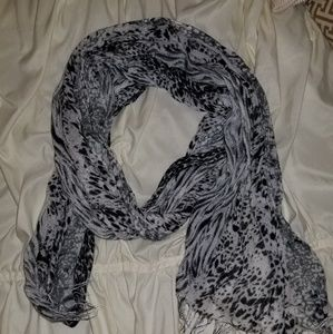 Neutral black and grey scarf